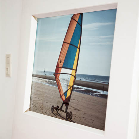 Bild: Windsurfing am Strand